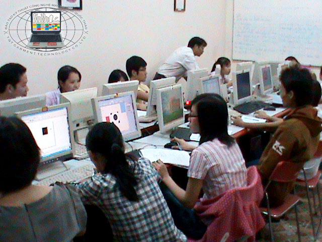 Trường đào tạo Công nghệ may và Thiết kế thời trang Trường Quốc Thảo tuyển sinh